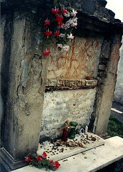 Marie Laveaus' Tomb Voodoo Queen Of New Orleans www ...